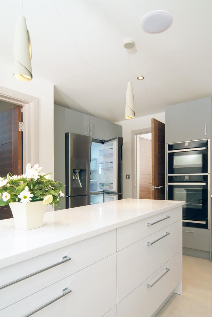 Gloss Matt Wood Kitchen Finishes: Matt/gloss Combination German Engineered Kitchen By