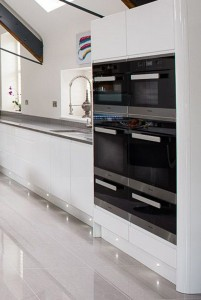 high gloss kitchen in a historic building2