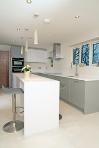 Stylish-Matt-Gloss-Handleless-Kitchen5
