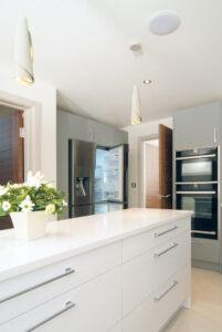 Stylish-Matt-Gloss-Handleless-Kitchen7