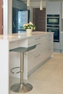 Stylish-Matt-Gloss-Handleless-Kitchen8